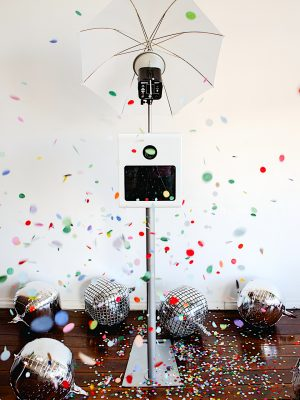 Creative Photo Booth Open Booth with confetti 1